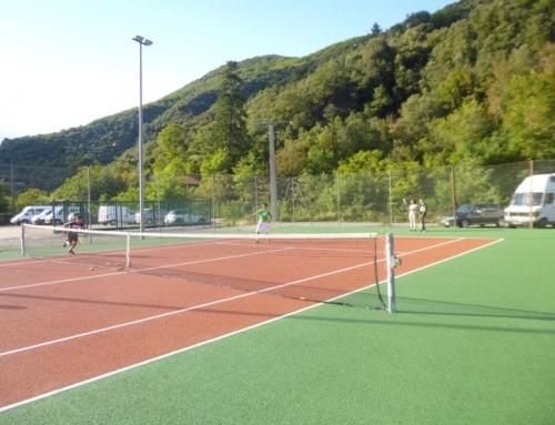 Tennis en pratique libre, cours ou stages