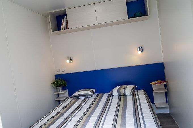 Parents bedroom mobil home Camping Le Mouretou
