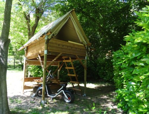 The bivouac cabin canvas and wood on stilts