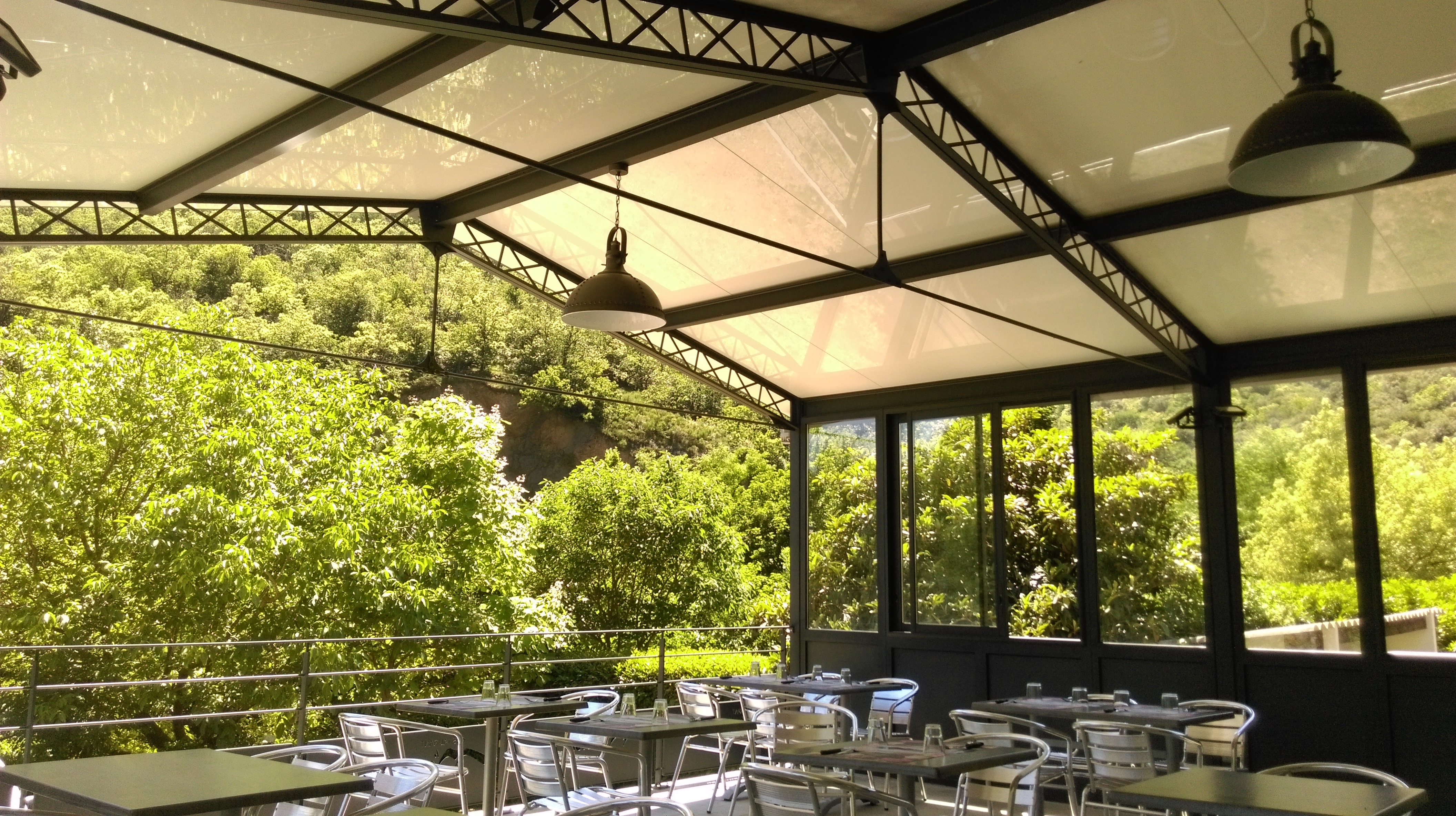 terrasse du restaurant Le Mouretou à Valleraugue