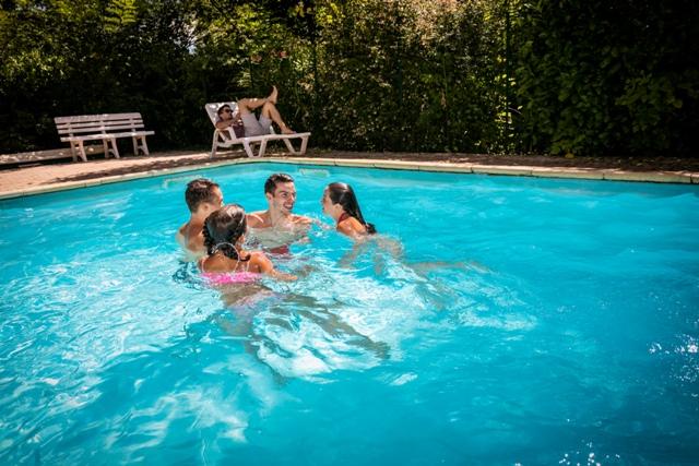 piscine chauffée restaurant le Mouretou à Valleraugue